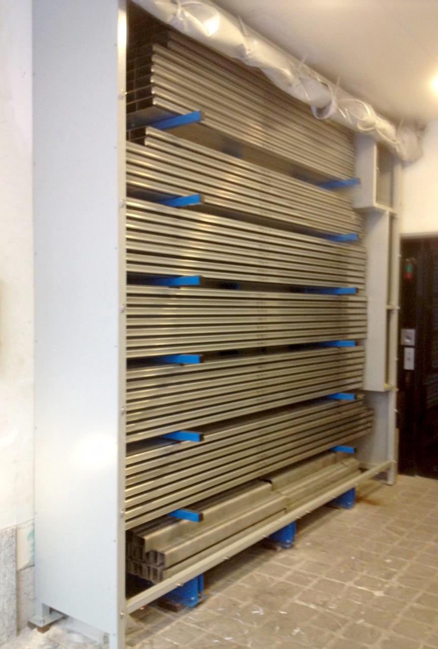 Protection de 15 vitrines avec armoire de stockage