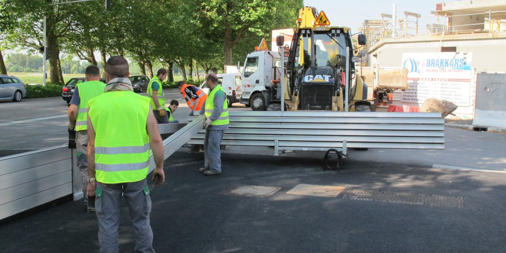Installation d'un système de barrières de protection anti inondation