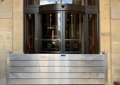 Protection d'un hotel par des batardeaux anti inondation Interalliance